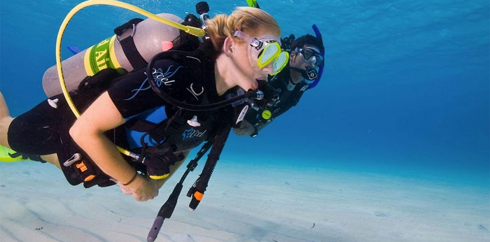 PADI Refresher Course - Ambergris Divers